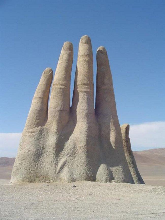 hand-of-desert-2