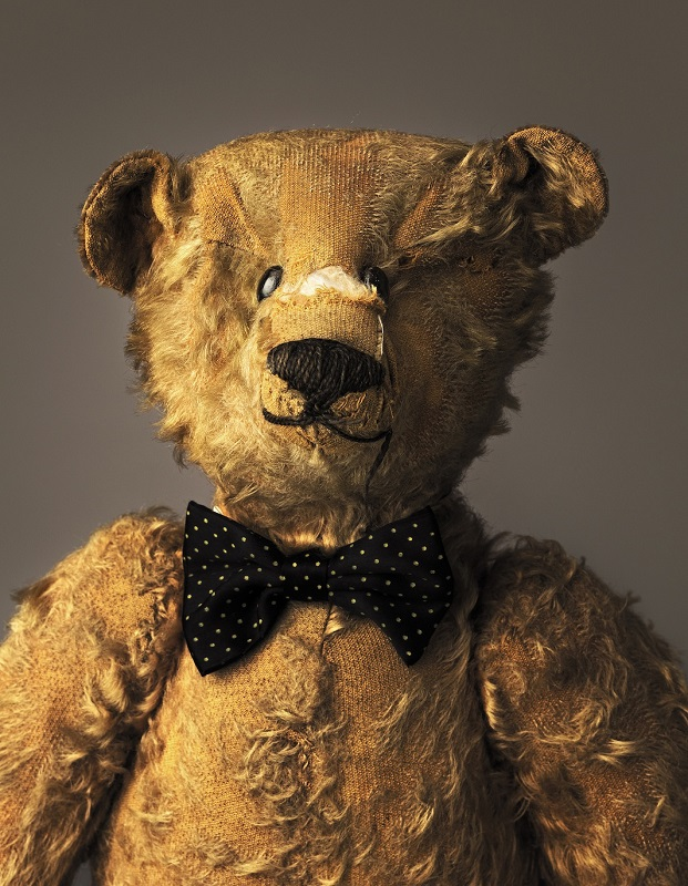 much-loved-teddy-bears-and-stuffed-animals-mark-nixon-3